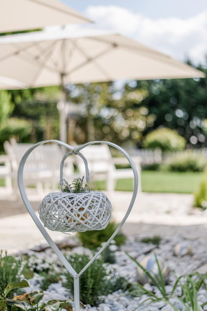 Hochzeit Blumengärten Hirschstetten_45_Trauung Deko-0004-20160506-_WEL3714