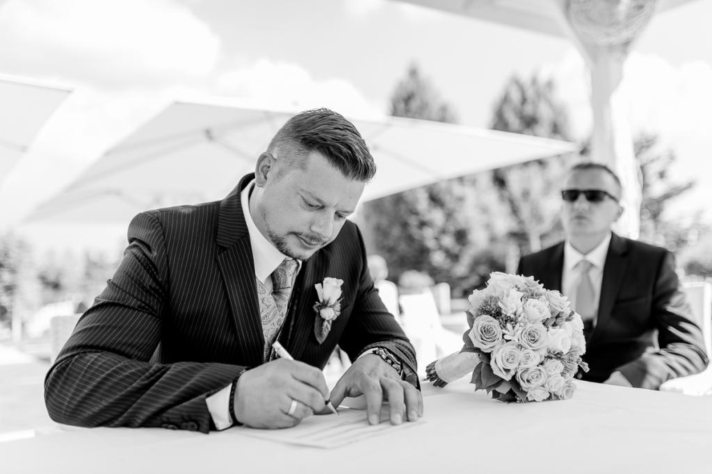 Hochzeit Blumengärten Hirschstetten_63_Trauung-0182-20160506-_WEL3945