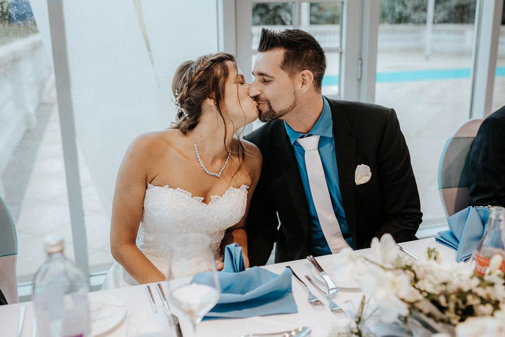 Hochzeit Kuss Brautpaar